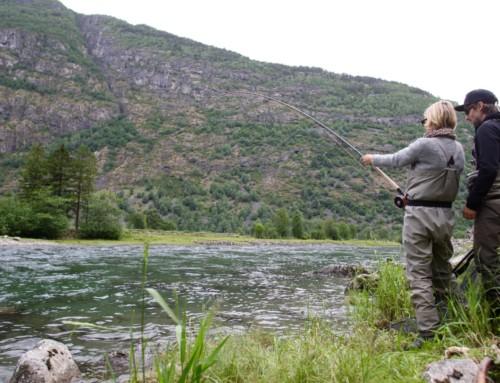 Amanda fångar fisk!